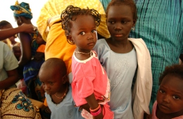 KAOLACK, SENEGAL. Senegalese children and their mothers awaiting inoculations at the Shifa Al Asqam Clinic in Kaolack, Senegal on Wednesday, November 1, 2006. © Chet Gordon/ THE IMAGE WORKS
